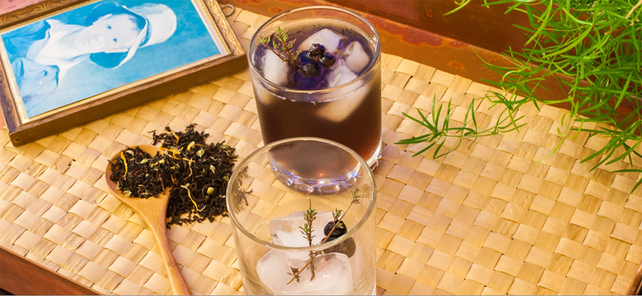 Browse our Organic Loose Leaf Iced Tea Blends for Summer