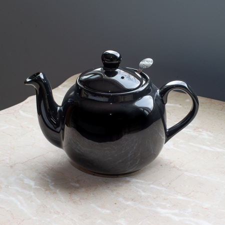 Farmhouse Teapot, 4 cup capacity - London Pottery Company. Includes innovative locking stainless steel infuser and no-drip spout. Color: black.