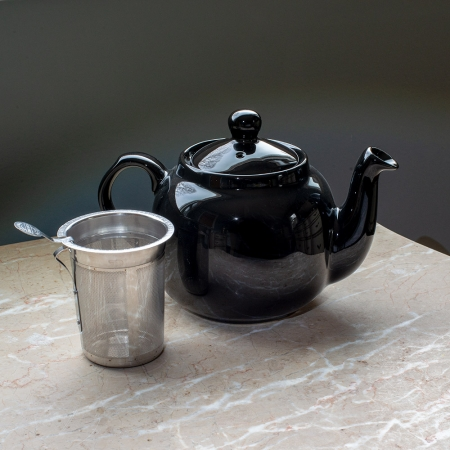 Farmhouse Teapot, 4 cup capacity - London Pottery Company. Shown with infuser.