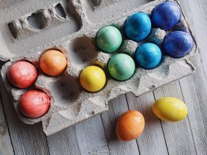 Naturally dyed easter eggs are a fun way to celebrate Easter.