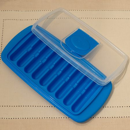 Joie Ice Stick Tray includes a protective lid for silicone tray.