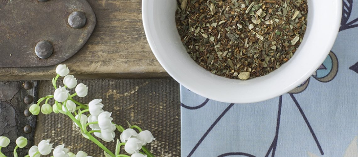 Buy Online - USDA Certified Organic Allergy Tonic Herbal Tea: Tonic contains natural antihistamine and anti-inflammatory ingredients that help prevent allergies and alleviate symptoms. Smooth flavors of rooibos mingle with rich earthy notes of yerba mate. Lemon balm and ginger give this tea a satisfying finish.